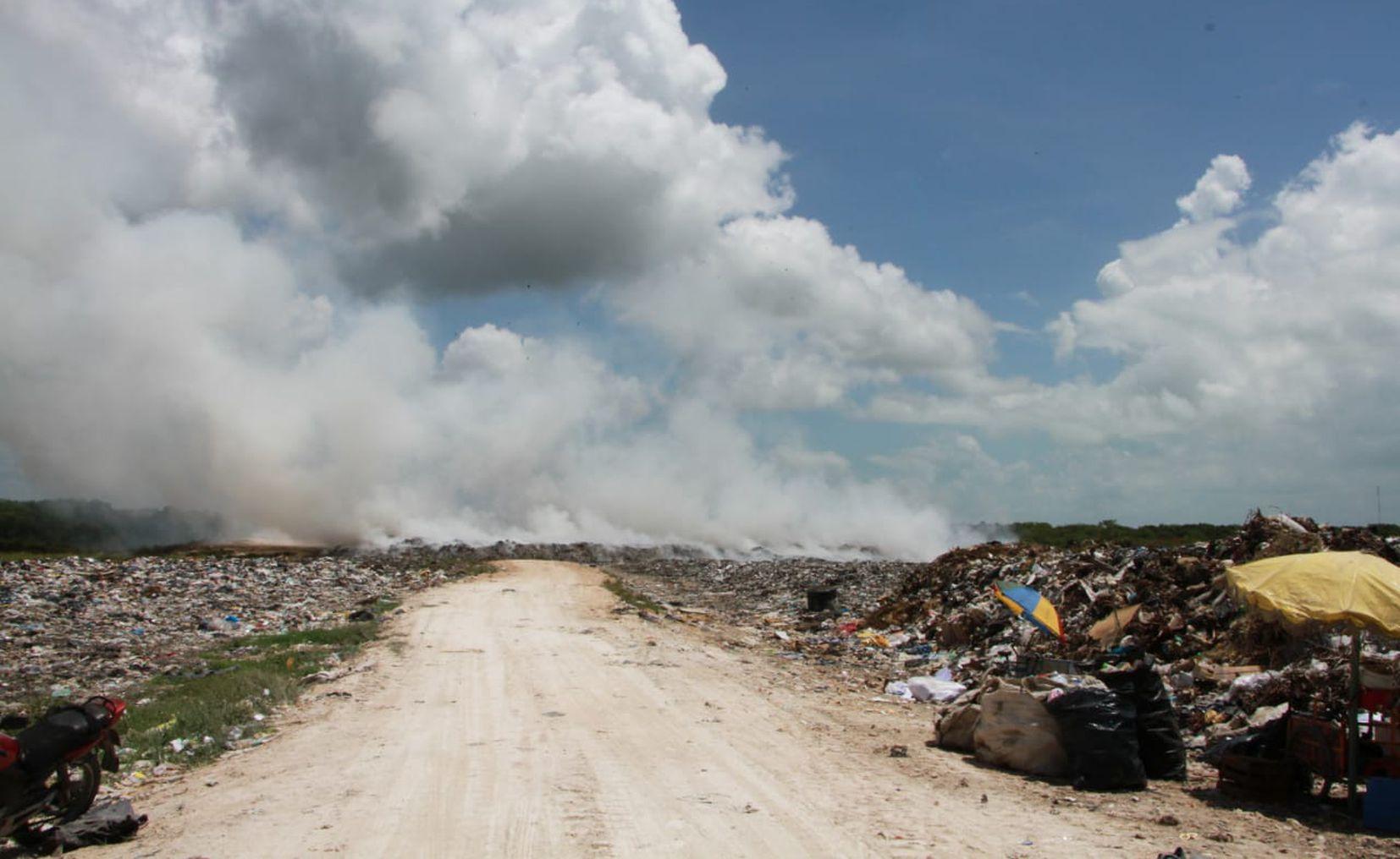 ¡De nuevo! Se registra incendio en basurero de Chetumal