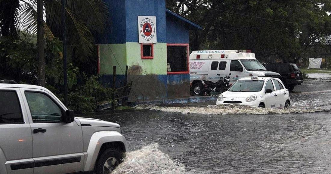"""Minuto a minuto: """"Nora"""" se degrada a tormenta tropical; deja 2 desaparecidos"""