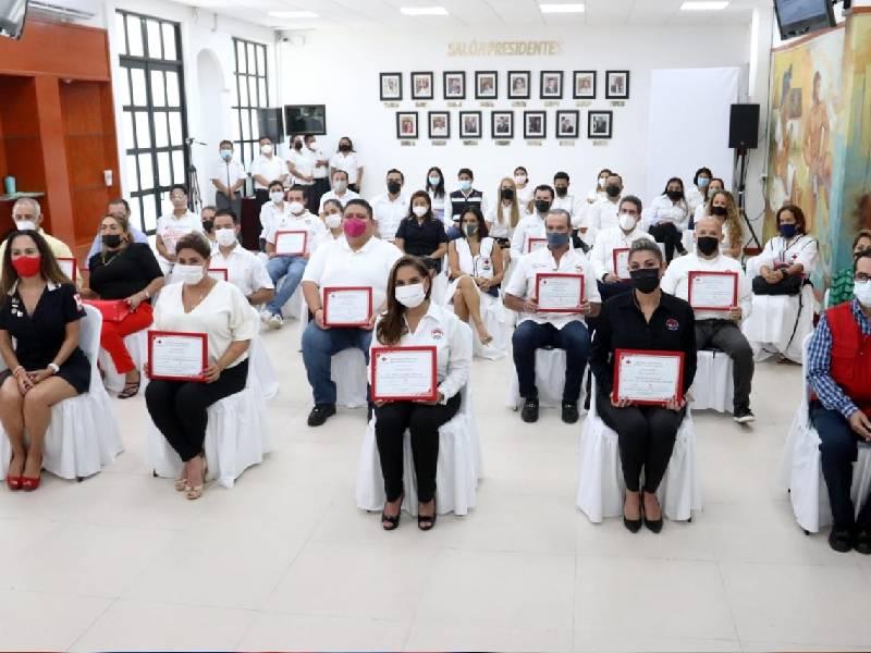 La Cruz Roja reconoce a funcionarios municipales que participaron en el boteo