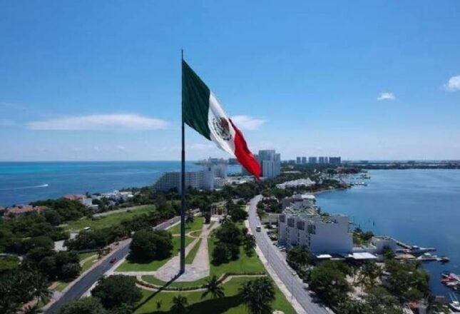 Más de cien mil visitantes pasarán las fiestas de Independencia en el Caribe Mexicano