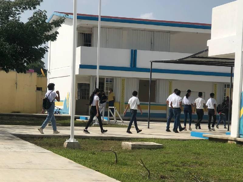 Seguro de alumnos no cubre Covid-19